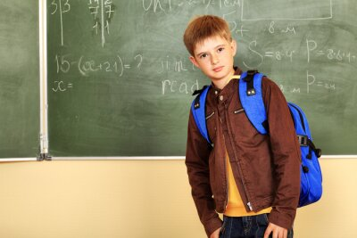 adolescente en una escuela