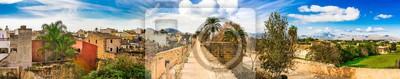 Alcudia Stadt Panorama historische Altstadt mit Stadtmauer