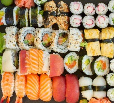 Cuadro almuerzo con plato de sushi