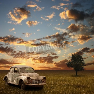 Cuadro An Old Abandoned Car with Sunset