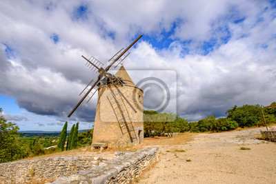 Ancien moulin à vent au village de Saint Saturnin les Apt. Provenza, Francia.