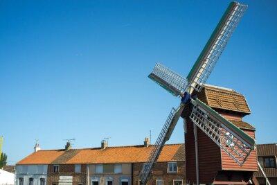 Ancien moulin a vent en la región de Calais