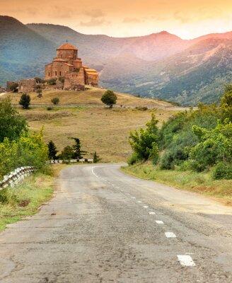 Cuadro Antigua iglesia ortodoxa en Georgia al atardecer