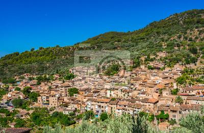 Antiguo pueblo de montaña mediterránea Fornalutx Mallorca España