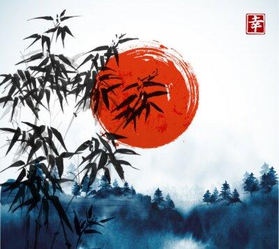 Cuadro Árboles de bambú, bosque en niebla y gran sol rojo dibujado a mano con tinta. Tinta oriental tradicional pintura sumi-e, u-sin, go-hua. Contiene jeroglífico - felicidad.