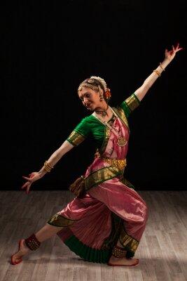 Cuadro Bailarín de la muchacha hermosa de la India la danza clásica Bharatanatyam