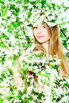 Blonde en flores