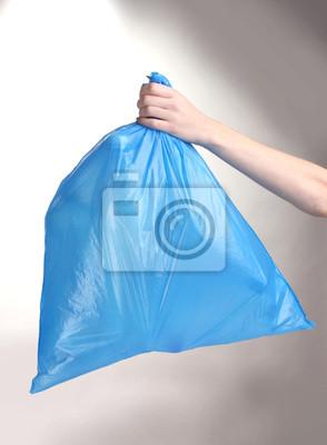 de azul la en mano la Cuadro basura basura aislados en bolsa con blanco 5TSxSwUq