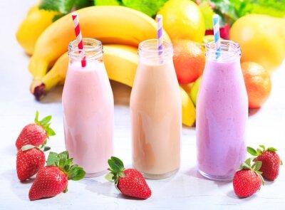 Cuadro Botellas de batido con frutas frescas