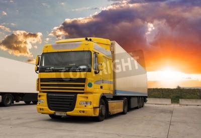 Cuadro Camión - transporte de carga con sol