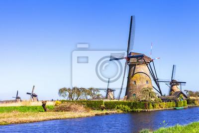 campo tradicional de Holanda - Kinderdijk, valle del molino de viento