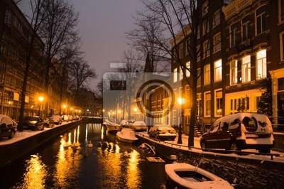 Cuadro Canales de Amsterdam y casas típicas en una noche de inviernos nevados
