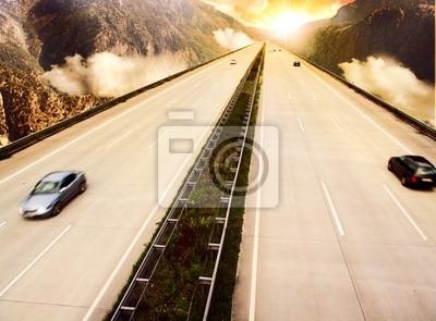 Carretera a través de las montañas