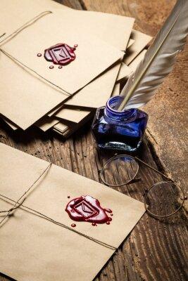 Cuadro Cartas de la vendimia con sellador rojo y gafas