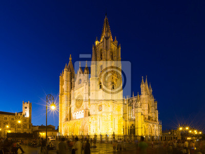 Cathedral of Leon in night