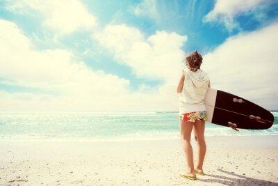 Cuadro Chica Surfista en la playa