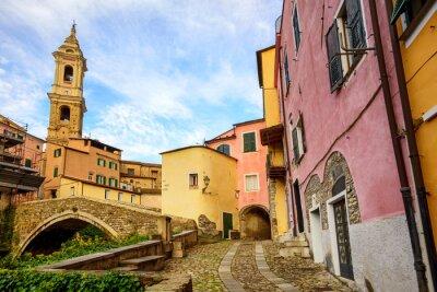 Cuadro Coloridas casas en el casco antiguo de Dolcedo, Liguria, Italia