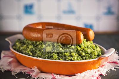 "Comida holandesa: Col rizada con salchicha ahumada o ""Boerenkool reunió peor '"