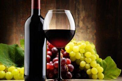 Cuadro Composición con vidrio, botella de vino tinto y uvas frescas