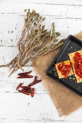 Cuadro Cracker con pimientos asados, chile y orégano