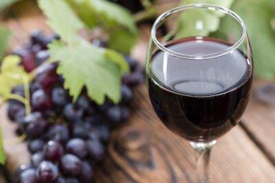 Cuadro De vidrio con vino tinto