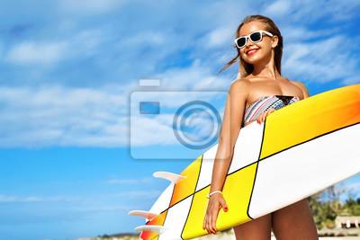 16ce82cc4337 Cuadro: Deportes acuáticos. surf. mujer atractiva feliz feliz de la persona