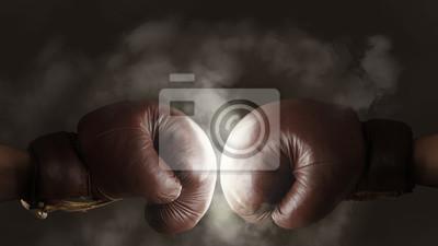 Cuadro Dos viejos guantes de boxeo marrón golpearon juntos