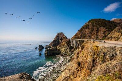 Cuadro El puente - viaducto a lo largo de la costa del Pacífico