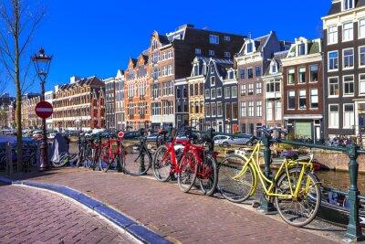 Cuadro encantadora Amsterdam. canales y bicicletas