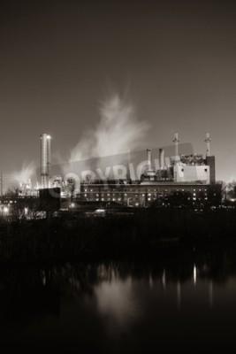 Cuadro Fábrica con chimenea por la noche en Filadelfia.
