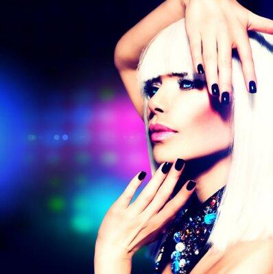Cuadro Fashion Disco Retrato Party Girl. Purple maquillaje y el pelo blanco