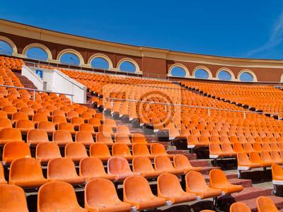fila de asientos en el estadio de fútbol de Minsk