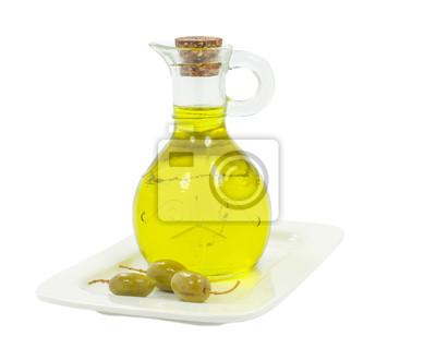 Frasco con aceite de oliva sobre blanco
