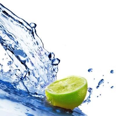 Gotas de agua dulce de limón aisladas en blanco pinturas para la ...