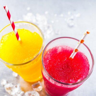 Cuadro Granito de frutas congeladas con pajitas