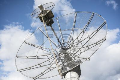 679b19dc216d3 Cuadro heliógrafo de radio antena parabólica escuchando a las estrellas de  la señal