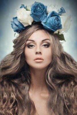 Cuadro Hermosa mujer con corona de flores.