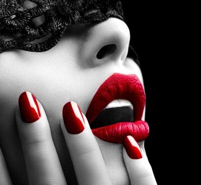 Cuadro Hermosa mujer con máscara de encaje Negro sobre los ojos