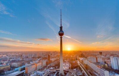 Cuadro Hermosa puesta de sol con la torre de televisión en Alexanderplatz en Berlín