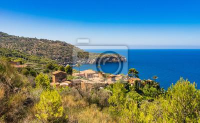 Hermosa vista de la costa de Mallorca España Village Deia Llucalcari