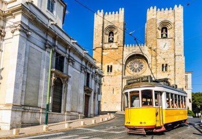 Cuadro Historic yellow tram of Lisbon, Portugal