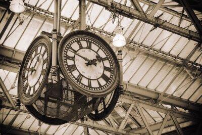 Cuadro iconic old clock Waterloo Station, London