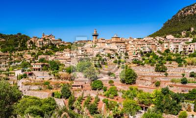 Idílica vista al pueblo de montaña Valldemossa Mallorca España