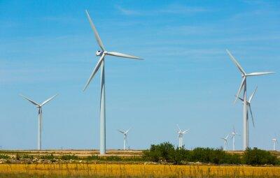 Image of wind power plants at fields near the town of La Muela
