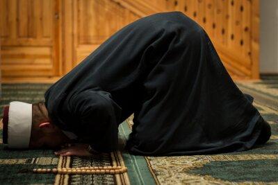 Cuadro Imam rezando