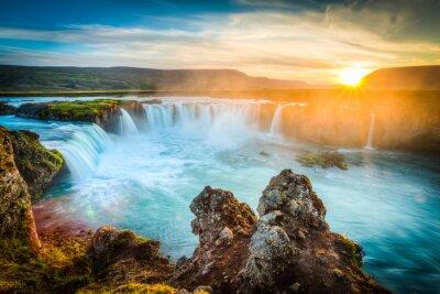 Cuadro Islandia, Godafoss al atardecer, cascada hermosa, larga exposición