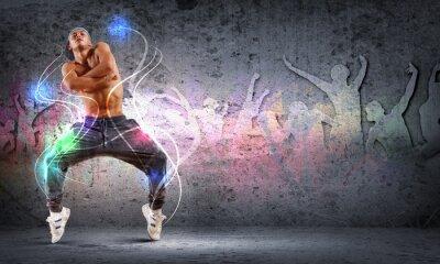 Cuadro joven bailando hip hop con líneas de color
