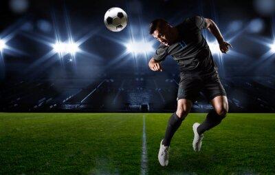 Cuadro Jugador de Fútbol Hispana cabecear el balón