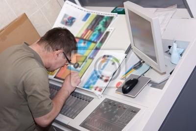 La comprobación de la impresora una tirada