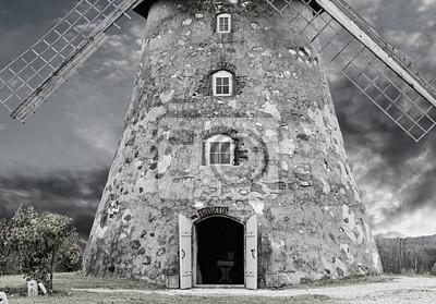 La entrada en el molino medieval, condado de Cesis